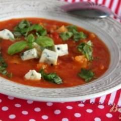 Томатный суп с горгонзоллой