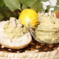 Гуакамоле из белой фасоли