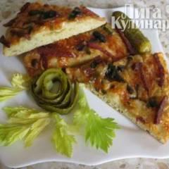 Пицца  с колбасой и грибами на кефирном тесте