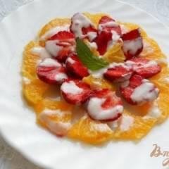 Салат из клубники и апельсинов