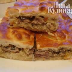 Пирог с квашеной капустой и рыбными консервами