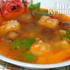 Суп с фрикадельками и шампиньонами