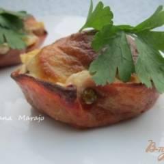 Колбасные корзиночки с грибами и соусом Бешамель