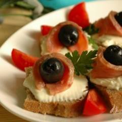 фото рецепта Канапе с маслинками