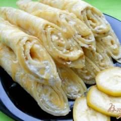 Блины на кефире с творожно-банановой начинкой