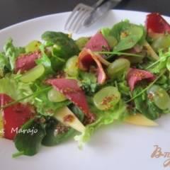 Салат с копченой утиной грудкой