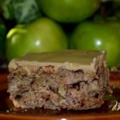 Старомодный яблочный кекс с коричневой глазурью