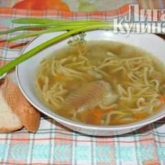 Рыбный суп с яичной лапшой