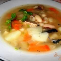 Суп из белой фасоли с рыбными консервами