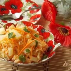 Салат из капусты, яблок и ананасов