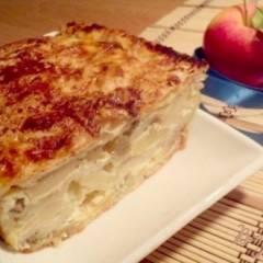 Пирог из лаваша с яблоками и виноградом