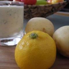 Соус для картошки из сметаны с хреном