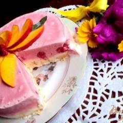 Торт–мороженое с меренгой и фруктами
