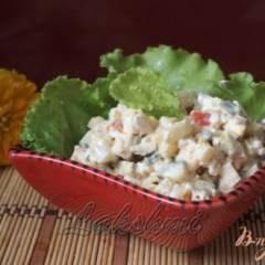 Салат с малосольными огурцами