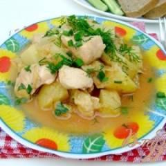 Картофель, тушенный с курицей и капустой