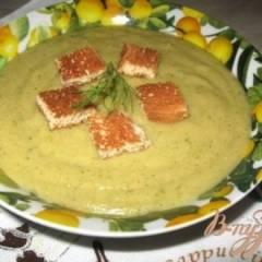 Суп-пюре гороховый со шпинатом