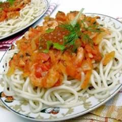 Спагетти под креветочно-томатным соусом