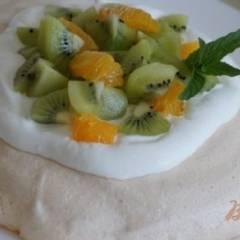 Павлова с киви и апельсином