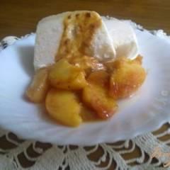 фото рецепта Парфе из йогурта с жареными персиками