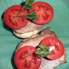 фото рецепта Бутерброд с языком и хреном