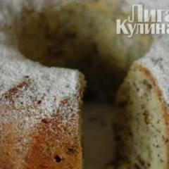 Кекс с маком, лимонной цедрой и орехами