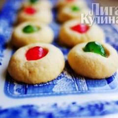 Рождественское печенье с вишней