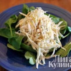 Салат из сельдерея с медовым майонезом