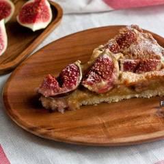 фото рецепта Миндальный пирог со свежим инжиром