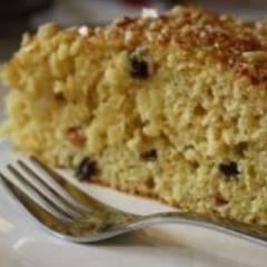 Постный пирог с орехами и изюмом