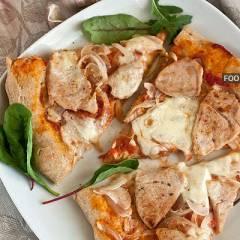 фото рецепта Пицца с луком из цельнозерновой муки