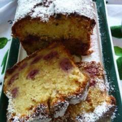 фото рецепта Вишневый кекс с марципаном