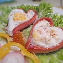 фото рецепта Яичница в сердечке из сосиски