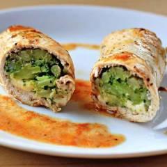 фото рецепта Куриные роллы фаршированные брокколи и сыром