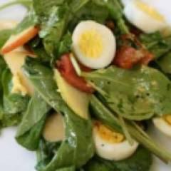 Салат с перепелиными яйцами