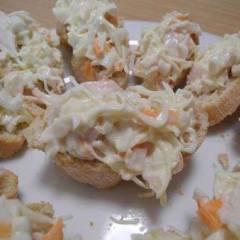 фото рецепта Тапас c крабовыми палочками и сыром