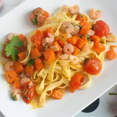 фото рецепта Паста с тыквой и креветками