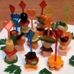 фото рецепта Канапе из мяса и овощей