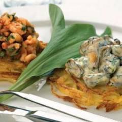 Креветки и мидии на картофеле