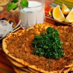 """фото рецепта Турецкая пицца """"Лахмакун"""""""