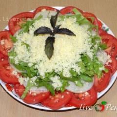 фото рецепта Салат из помидоров с сыром