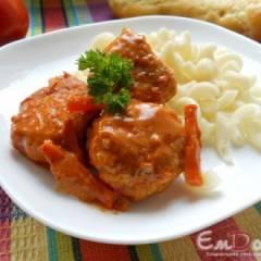 Фрикадельки куриные в сметанно-томатном соусе