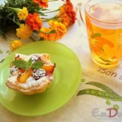 Корзиночки с творогом и фруктами