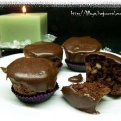 фото рецепта Шоколадные маффины с орехами и клюквой