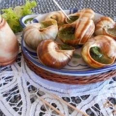 Улитки в сливочно- чесночном соусе