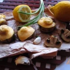 Печеные грибы с сыром и чесноком