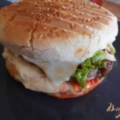 фото рецепта Бургер с говяжьей котлетой