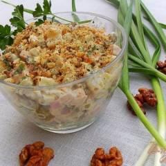 """фото рецепта Салат """" оливье"""" с чесноком и орехами"""