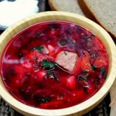 фото рецепта Красный борщ с крапивой