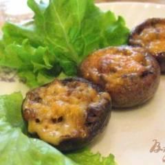 фото рецепта Фаршированные шампиньоны запеченные с сыром