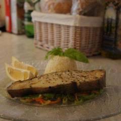 фото рецепта Запеченый палтус на овощной подушке.